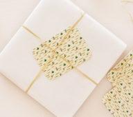 Cartes cadeaux • Papeterie artisanale d'inspiration japonaise • 23janvier vous propose des articles artisanaux imprimés de motifs floraux et colorés • Les petites cartes cadeaux proposées par l'atelier sont imprimées sur un papier épais et délicat → Pour un emballage unique