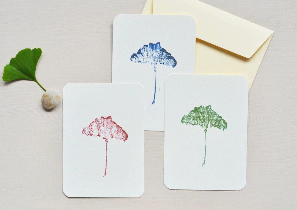 Carte illustrée ginkgo - petite estampe imprimée à la main à partir d'une gravure sur bois • Papeterie artisanale fabriquée par 23janvier