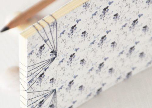"""Carnet japonais illustré du motif floral """"Cognassier"""" - papeterie artisanale créée et fabriquée dans le sud-ouest de la France → e-shop 23janvier"""